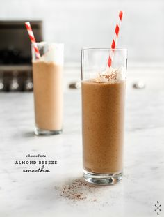 Chocolate Almond Breeze Smoothie // loveandlemons.com