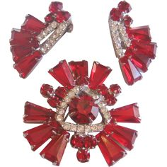 Rare Vintage Juliana -Delizza and Elster Red Tapered Baguette Rhinestone Pin and…