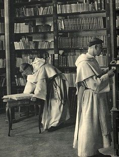 Ceremonia y rúbrica de la Iglesia española - Hábitos religiosos masculinos - Hábitos religiosos