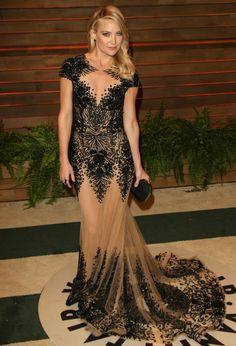 Kate Hudson arrives at the 2014 Vanity Fair Oscar Party in Zuhair Murad