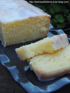 Just perfect lemon cake - Cake au citron juste parfait Thermomix Desserts, Köstliche Desserts, Sweet Recipes, Cake Recipes, Dessert Recipes, Food Cakes, Cupcake Cakes, Perfect Food, Love Food