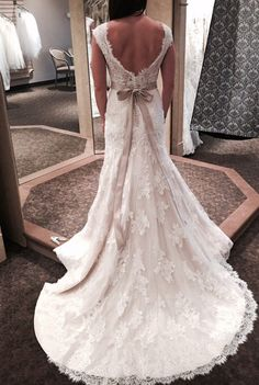 Maggie Sottero, Shayla