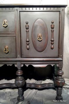 Paint in my hair: Graphite and French Linen Buffet