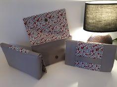 Trio de pochettes Cachôtins gris et fleurs rouges cousues par Elodie - Patron Sacôtin