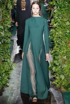 Valentino Fall 2014 Couture Fashion Show - Waleska Gorczevski (OUI)