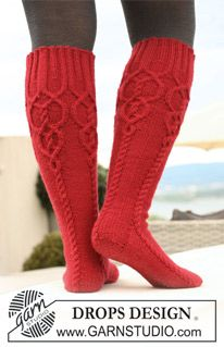 Socks & Slippers - Free knitting patterns and crochet patterns by DROPS Design Cable Knit Socks, Crochet Socks, Knitted Slippers, Wool Socks, Knit Mittens, Knitting Socks, Knit Crochet, Red Socks, Knitting Patterns Free