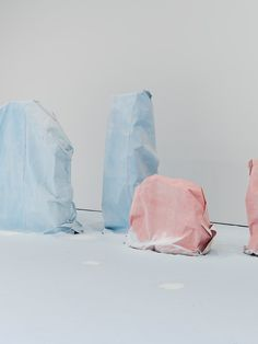 Karla Black, Foreground: Don't Need To Say, Polystyrene, sugar paper… Karla Black, Bokashi, Dark Photography, Land Art, Installation Art, Textile Art, Contemporary Artists, Contemporary Sculpture, Creations