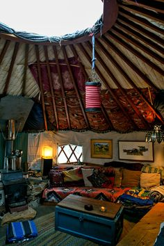 Square Peg in a Round House - NYTimes.com / Yurt Interior / The Green Life <3