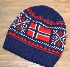 Love this hat! Norwegian Knitting Designs, Crochet Hooks, Knit Crochet, Pattern Design, Free Pattern, Norwegian Flag, Norway Flag, Swedish Design, Fair Isle Knitting