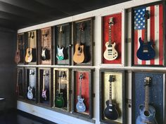 Super Music Room Home Studios Wall Art 15 Ideas Guitar Display Case, Guitar Storage, Home Studio Musik, Music Studio Room, Guitar Wall, Guitar Room, Led Neon, Home Music Rooms, Classic Pillows