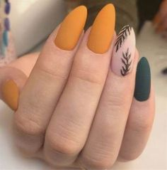 56 Perfect Almond Nail Art Designs for This Winter - How to apply nail polish? Nail polish on your own friend's nails Orange Nail Polish, Orange Nails, Polish Nails, Green Nails, Acrylic Nails Orange, Acrylic Nails For Fall, Magenta Nails, Nails Turquoise, Blue Nail