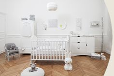 La Chambre de bébé - meuble, lit, déco, luminaire. Natalys boutique, Paris. www.natalys.com Natalys est le spécialiste des produits pour bébé et future maman.