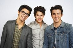Celebrity Siblings - The Jonas Brothers! It's Over Now, Bucket List Before I Die, Celebrity Siblings, Stud Muffin, Never Stop Dreaming, Jonas Brothers, Nick Jonas, Family Affair, Celebs
