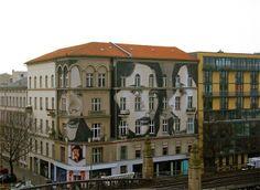 Βερολίνο. Τοιχογραφία του street artist RONE στη Nollendorfplatz.