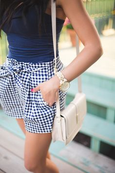 street style, gingham, women's fashion, spring trends Fashion Mode, Moda Fashion, Womens Fashion, Prep Fashion, Fashion 2018, Fashion Outfits, Preppy Mode, Preppy Style, Gingham Shorts