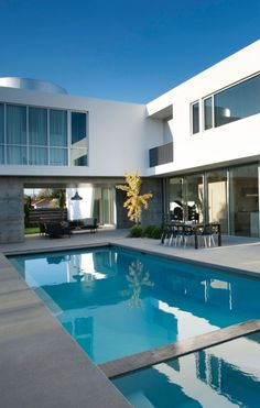 World of Architecture: Luxury Modern Family Home in Venice, California