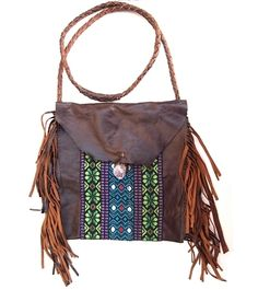 Love the details on this purse, especially the fringe.