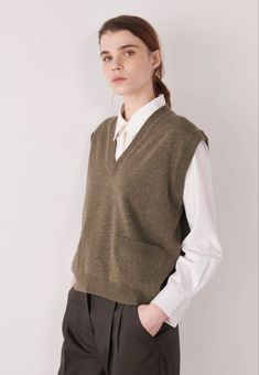 Casual Fall Outfits, Cool Outfits, Fashion Outfits, Womens Fashion, Fashion Fashion, Fashion Trends, Margaret Howell, Neutral Outfit, Knit Vest