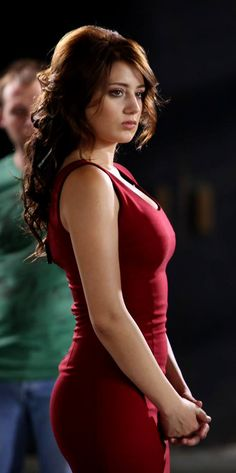 Mujay lugta hai k inaya bilkul asi hogi. Hottest Female Celebrities, Hollywood Celebrities, Beautiful Girl Image, Gorgeous Women, Indian Photoshoot, Actrices Hollywood, Thing 1, Turkish Beauty, Girls Gallery