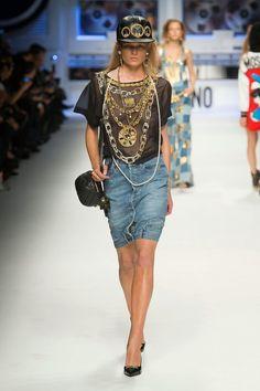 Pokaz mody: Moschino jesień 2015