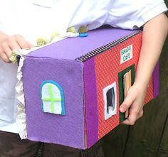 Little dolls bakery in a shoebox
