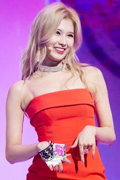 sana so cute sia Kpop Girl Groups, Korean Girl Groups, Kpop Girls, Nayeon, Osaka, Sana Momo, Sana Minatozaki, Twice Once, Twice Sana