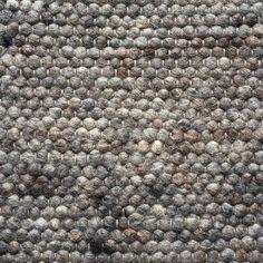 Brinker heeft zijn eigen high-end, maatschappelijk verantwoorde productie afdeling in Europa en India. De basismaterialen (scheerwol, katoen, viscose, banaan zijde en sisal) zijn duurzaam en van hoge kwaliteit. Het grootste deel van de collectie is met de