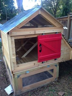 This is the luxury coop I built for our 5 chickens about 6 months ago. Now that the weather has finally thawed, I thought I'd post some pictures. (Bonnie checking out her new pad) The coop itself is and it sits over a run. My dad. Mobile Chicken Coop, Cheap Chicken Coops, Chicken Coop Pallets, Small Chicken Coops, Portable Chicken Coop, Chicken Coop Designs, Best Chicken Coop, Chicken Tractors, Backyard Chicken Coops