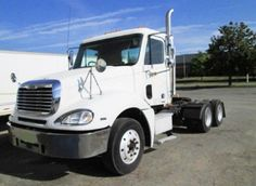 2007 #Freightliner #Columbia #DayCab #wholesaletrucktrader http://www.intertrucksusa.com/Truck/View/18fd28a8-2195-474a-ab28-c42ae048e6f4