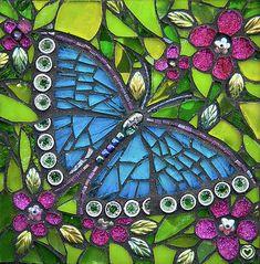 Mosaic Crafts, Mosaic Projects, Mosaic Art, Mosaic Glass, Mosaic Ideas, Paper Mosaic, Butterfly Mosaic, Mosaic Birds, Glass Butterfly