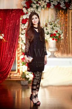 Beautiful and Sexy Babes! Simple Pakistani Dresses, Pakistani Wedding Outfits, Pakistani Dress Design, Simple Dresses, Indian Dresses, Beautiful Dresses, Casual Dresses, Fashion Dresses, Indian Outfits