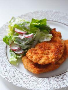 Makaron z boczkiem i kapustą w sosie sojowym - sprawdź przepis Quesadilla, Tandoori Chicken, Salmon Burgers, Feta, Ethnic Recipes, Kitchens, Quesadillas