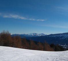 On aperçoit le Mont Blanc
