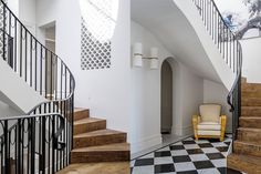 With two roof gables observing the entry door, a Queen Anne style residence was brought back to its splendour with a renovation by Rosselli Architects that reveals its hidden character and history.