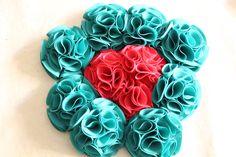 Bouquet ramo de flores de tela en verde esmeralda y fucsia o frambruesa o rosa fuerte 606619349 algodondeluna@gmail.com