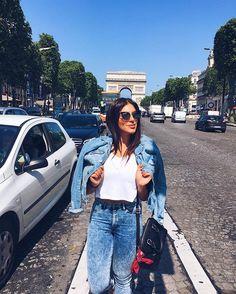 WEBSTA @ rachelapollonio - Jeans   white 😍 #basic #familiaratoviaja #paris #arcdutriomphe