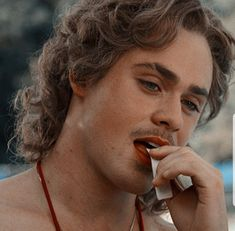 Billy is hot af Stranger Things Characters, Stranger Things Netflix, Beautiful Boys, Pretty Boys, Dacre Montgomery, Stranger Things Aesthetic, Film Serie, Celebs, Celebrities