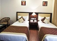 Divine Paradise Hotel offers rooms with a luxurious interior, individual climate control, an in-room safe, a minibar, cable TV and Wi-Fi. A bathtub, a shower and a hairdryer can be found in all bathrooms.
