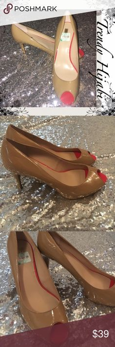 """Tahari Beige and Red Pump Regal Sz 9.5 fun and flirty pump for this season is the Tahari Regal. This pump will go with everything from dress slacks to your favorite pair of skinny jeans. Faux patent upper Almond peep toe ¾"""" hidden platform, 3½"""" heel Synthetic sole Imported. Tahari Shoes Heels"""