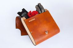 The Pocket Pannier Leather and Wood Bicycle door WalnutStudiolo