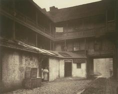 White Hart Inn yard, Southwark, 1881. This photograph was commissioned by the Society for Photographing Relics of Old London to form part of...