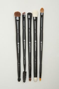 This is perfect! All of the essential eye brushes I need! I gotta get 2!