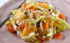 Ricetta facile e veloce: Insalata invernale.Preparazione: 20′ Cottura: – Esecuzione: facile Taglia a striscioline il cavolo verza, mettilo in una ….