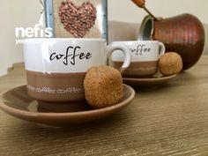 Kahve Yanına Zar Kurabiye (Yumurtasız Pratik)
