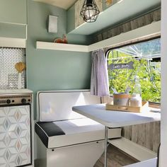 If you are looking for Interior Rv Living Ideas, You come to the right place. Below are the Interior Rv Living Ideas. This post about Interior Rv Living Ideas was. Trailer Interior, Camper Interior, Luxury Interior, Interior Design, Interior Ideas, Caravan Vintage, Vintage Caravans, Vintage Trailers, Vintage Rv
