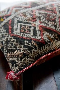 vintage moroccan pillow via dia living