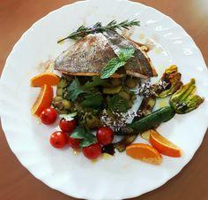 #fish#peixe#favas#beans#flordecourgette#courgetteflower#zucchiniflowers#tomatoes#orange#flowers