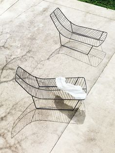 Not sue they are comfy - but they sure are beautiful - Arper | leaf chaise lounge - comes in 3 colors - Mocha, white and green