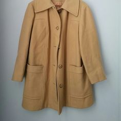 Vintage wool blend coat EXCELLENT vintage condition. No stains, tears, etc! Great neutral color! Can't find a size on it but fits like a large.  Bundle for best deals!! Lots of items available starting at $5! Hundreds of items available for discounted bundles! You can get lots of items for a low price and one shipping fee! Vintage Jackets & Coats Pea Coats