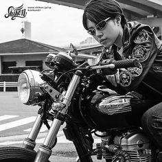#rock #ロック #badge #バッジ #rck'nroll #ロックンロール #pinbadge #バッチ #rockandroll #ロカビリー #embroidered #ピンバッジ #rockabilly #バイク #rockers #ピンバッチ #motorcycle #オートバイ #leatherjacket #ロッカーズ #bike #カフェレーサー #レザージャケット #caferacer #ビンテージ #shikon67 #vintage Greaser Girl, Rock And Roll Girl, Harajuku Japan, Rockabilly Outfits, Jake T, Line Shopping, Patch Design, Biker Style, Biker Girl